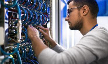 Photo of טכנאי רשתות ומחשבים לעסקים